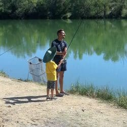 colonie de vacances pêche en rivière
