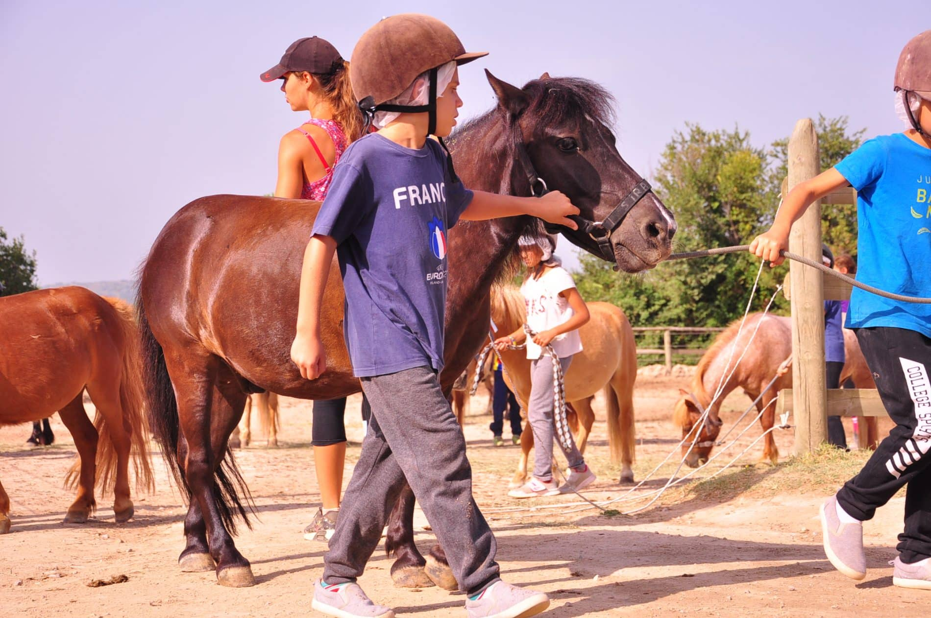 equitation enfants en colo au Clos d'Alice