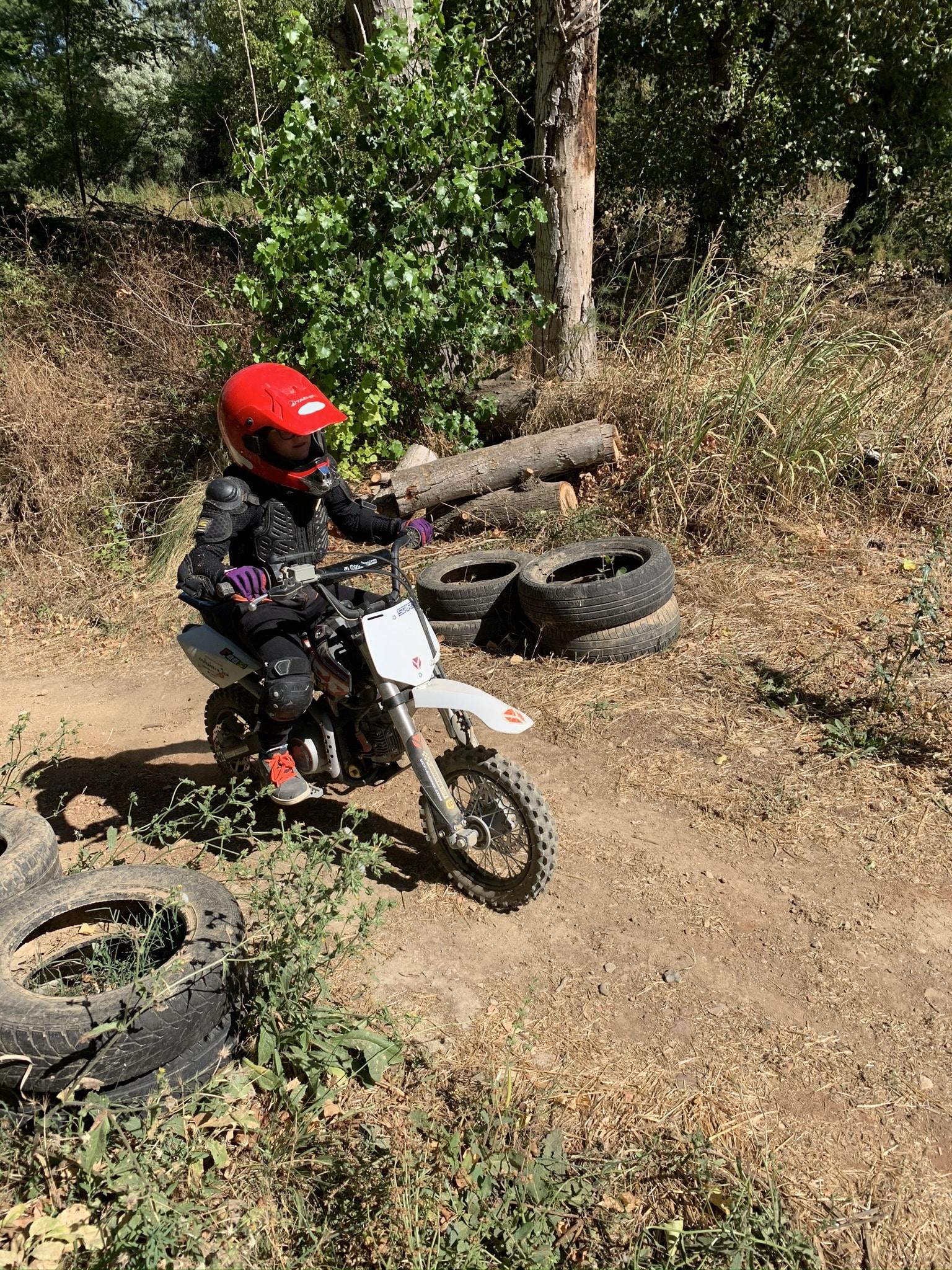 Séance de moto cross séjour enfants Hérault