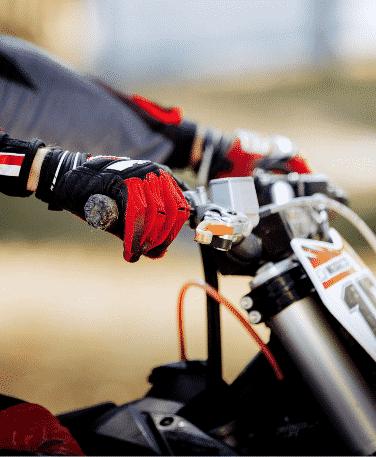 Séance moto en colonie dans l'Hérault-Occitanie